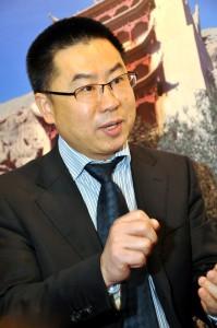 Dr. Kuang Xiongjie kennt Ostbelgien und die Eifel aus dem Effeff. Demnächst referiert er in China über den Nationalpark Eifel. Der Tourismusexperte ausGuangzhou will in Zukunft mehr Urlauber aus China in die Eifel bringen. Foto: Reiner Züll/pp/Agentur ProfiPress