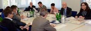 Bei der Jahrespressekonferenz der VR-Bank Nordeifel eG in Schleiden präsentierte der Vorstand die Ergebnisse der Bank aus 2015 und stellte ein neues Projekt für den Weg in eine Drei-Generationen-Region vor. Foto: Manfred Lang/pp/Agentur ProfiPress