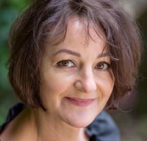 """Die in Gerolstein aufgewachsene und in Freiburg im Breisgau lebende Schriftstellerin Ute Bales liest im Rahmen der Lit.Eifel aus ihrem biographischen Roman """"Die Welt zerschlagen"""" über die Dada-Künstlerin Angelika Hoerle. Foto: Michael Spiegelhalter"""