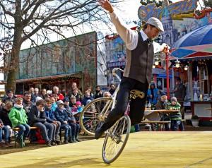 Kommerns Jahrmarkt anno dazumal ist der einzige historische Jahrmarkt in Deutschland, auf dem noch eine Freiluft-Zirkusarena aufgebaut wird. Foto: LVR/pp/Agentur ProfiPress