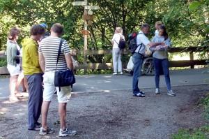 Besucherbefragung durch Studenten der Deutschen Sporthochschule Köln im Nationalpark Eifel bei Heimbach. Foto: Dr. Stefan Türk/ Deutsche Sporthochschule Köln