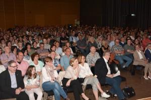Die 650 Besucher in der Stadthalle Bitburg waren begeistert. Foto: Helmut Gassen/ELF/pp/Agentur ProfiPress