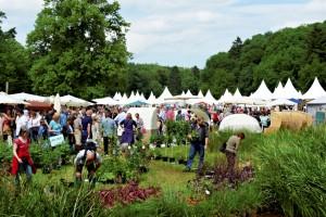 Pflanzen in großer Auswahl und Schönes für den Garten werden vom 26. bis 29. Mai auf dem Gelände des Schlosses in Eicks ausgestellt. Foto: EC&M GmbH/pp/Agentur ProfiPress