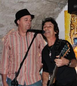 Am Mittwoch, 11. Mai, gibt es um 19:30 Uhr ein Wiedersehen mit dem Krimiautor Peter Splitt und dem kubanischen Gitarristen Nilo Nunez. Foto: Privat/pp/Agentur ProfiPress