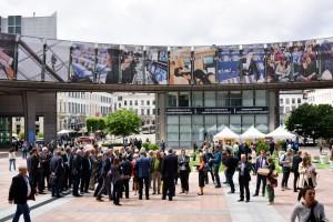 85 Vertreter von Kommunen aus Rheinland-Pfalz, Nordrhein-Westfalen, Luxemburg und den Niederlanden reisten nach Brüssel, um dem EU-Parlamentspräsidenten einen Fragenkatalog zu Tihange 2 zu überreichen. Foto: Andreas Herrmann/Städteregion Aachen/pp/Agentur ProfiPress