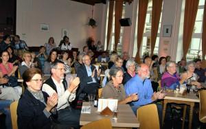 Nach der Lesung gab es im gut besetzten Jünglingshaus reichlich Applaus für die hochgelobte Nachwuchsautorin. Foto: Renate Hotse/pp/Agentur ProfiPress