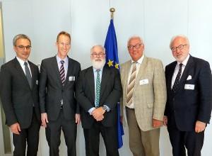 In Brüssel: Wilfried Oellers, Detlef Seif, Miguel Arias Canete, Helmut Brandt und Rudolf Henke (von links). Foto: Büro Seif/pp/Agentur Profi-Press