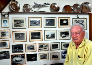 Unzählige Fotos in seinem Büro zeugen von den Renneinsätzen von Peter Klein. Foto: Reiner Züll/pp/Agentur ProfiPress