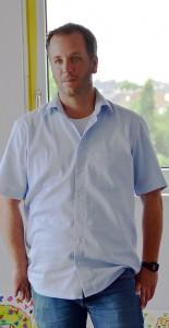 Volker Eßer, Leiter der Autismus-Ambulanzen, wird interviewt. Foto: Manfred Lang/pp/Agentur ProfiPress