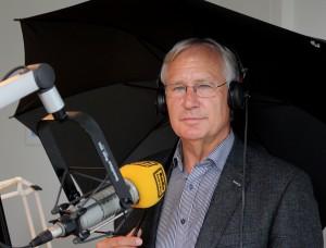 """Der Wetterexperte von Radio Euskirchen, Karl Josef Linden, geht in Radiopension. Seit 2002 präsentiert er den Hörern das """"Lindenwetter"""". Foto: Thomas Schmitz/pp/Agentur ProfiPress"""