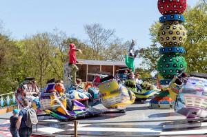 """Ein Highlight für die größeren Besucher des Eifelparks ist das Kultkarussell """"Break-dance"""", das ebenfalls bis 28. August auf dem Westernplatz Fahrt aufnimmt. Foto: Eifelpark/pp/Agentur ProfiPress"""