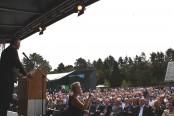 Große Eröffnungsfeier im Adlerhof in Vogelsang: Zahlreiche Besucher waren der Einladung zu dem Ereignis gefolgt. (A. Simantke/Nationalparkforstamt Eifel)