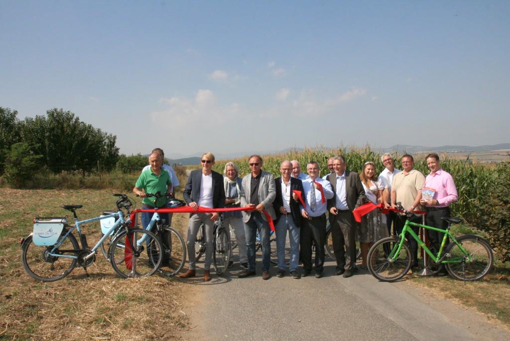 Große Freude über das neue touristische Highlight: Bei herrlichem Wetter wurden die Rhein-Mosel-Eifel-Radtouren offiziell eröffnet.