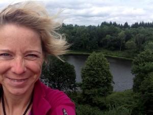 Daniela Trauthwein berichtet als Wander-Reporterin live in sozialen Netzwerken von ihrer Wanderung auf dem Eifelsteig. Foto: Privat/pp/Agentur ProfiPress