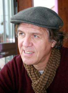 Ein echtes Eifeler Gewächs und preisgekrönter Autor, der in seinen Romanen immer wieder auch seine Heimat thematisiert: Norbert Scheuer liest auch in diesem Jahr für die Lit.Eifel. Foto: Elvira Scheuer