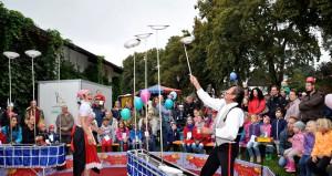 """Bei den Vorführungen des Kinderzirkus """"Circolino Suny"""" waren die Besucherbänke stets voll besetzt. Foto: Reiner Züll/pp/Agentur Profipress"""