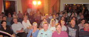 """Das Publikum war """"hin und weg"""" beim Heimspiel der legendären """"Eifel-Gäng"""" am Bleiberg in Kallmuth. Foto: pp/Agentur ProfiPress"""