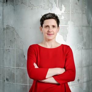 Zu einem kurzweiligen literarischen Streifzug durch ihr Gesamtwerk lädt die Schriftstellerin Felicitas Hoppe ein. Foto: Tobias Bohm