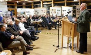 """""""Die Ideen zeigen das breite Einsatzspektrum und das große Entwicklungspotenzial im Holzbau"""", sagte Karl-Heinz Dengel, Leiter des Regionalforstamts Hocheifel-Zülpicher Börde, über die eingereichten Bewerbungen. Foto: Steffi Tucholke/pp/Agentur ProfiPress"""