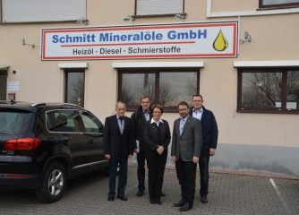firmenbesuch bei peter schmitt mineral le gmbh wirtschaft eifel. Black Bedroom Furniture Sets. Home Design Ideas