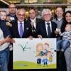 """Familien profitieren jetzt grenzüberschreitend mit dem Vaalser """"Gezinspas"""" und der städteregionalen Familienkarte."""